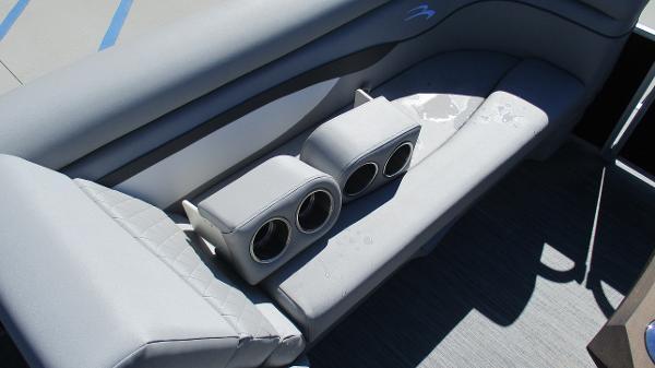 2021 Bennington boat for sale, model of the boat is 20 SVSR & Image # 31 of 43