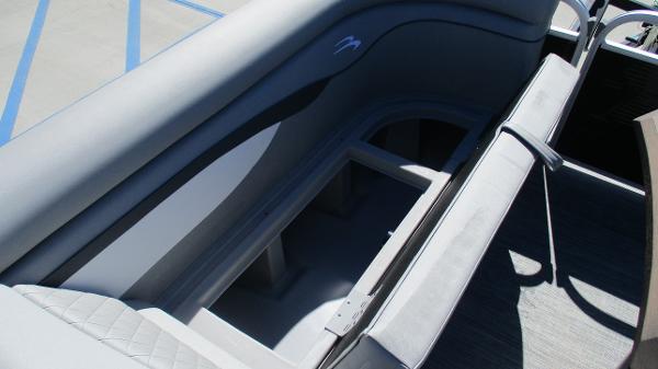 2021 Bennington boat for sale, model of the boat is 20 SVSR & Image # 33 of 43