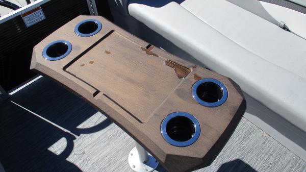 2021 Bennington boat for sale, model of the boat is 20 SVSR & Image # 38 of 43