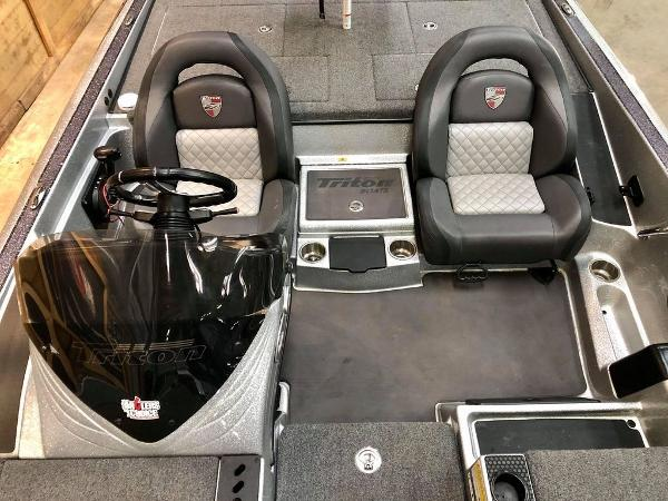 2020 Triton boat for sale, model of the boat is 20 TRX & Image # 12 of 18