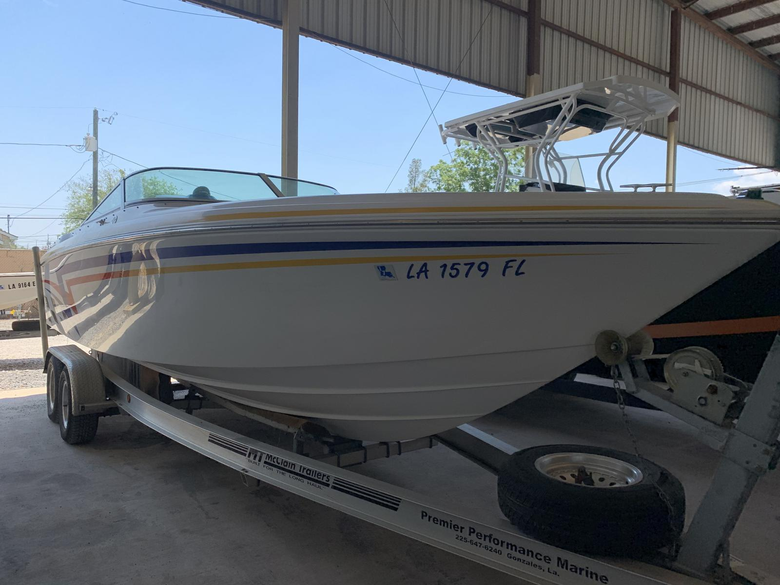 2005 Powerquest boat for sale, model of the boat is Legend 260 SX & Image # 1 of 9