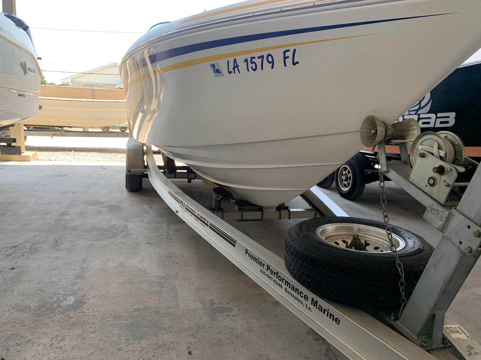 2005 Powerquest boat for sale, model of the boat is Legend 260 SX & Image # 7 of 9