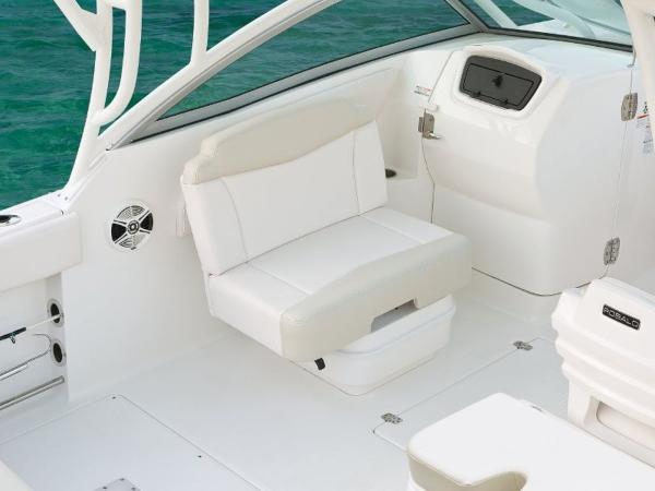 2022 Robalo boat for sale, model of the boat is R247 & Image # 3 of 28