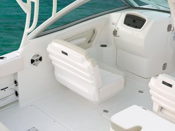 2022 Robalo boat for sale, model of the boat is R247 & Image # 4 of 28