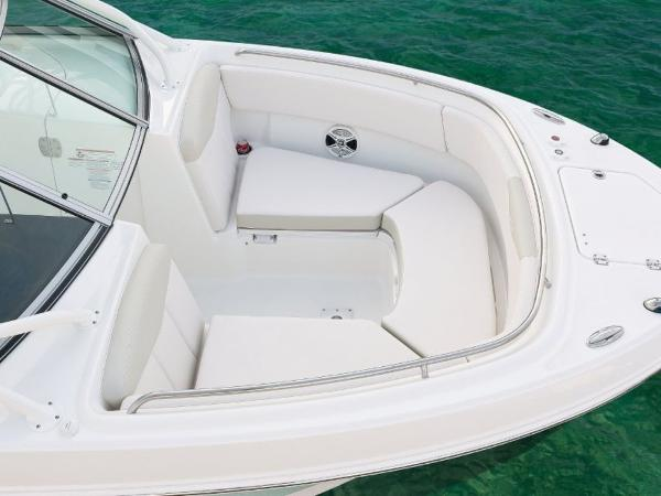 2022 Robalo boat for sale, model of the boat is R247 & Image # 14 of 28