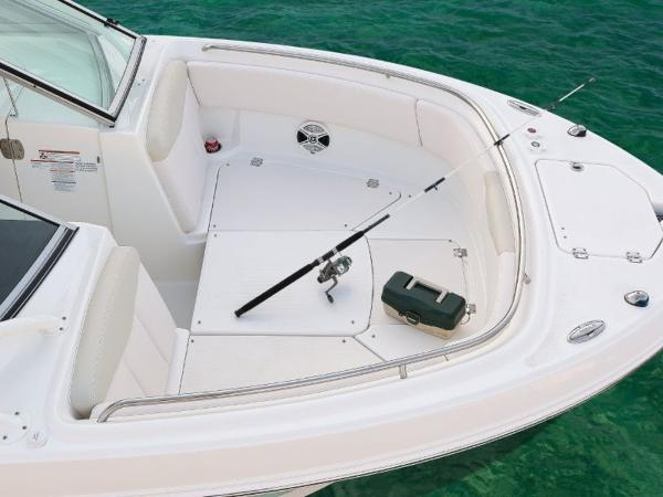 2022 Robalo boat for sale, model of the boat is R247 & Image # 16 of 28