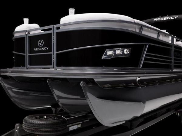 2022 Regency boat for sale, model of the boat is 230 LE3 & Image # 6 of 55