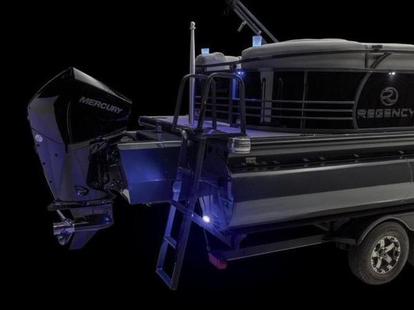 2022 Regency boat for sale, model of the boat is 230 LE3 & Image # 9 of 55