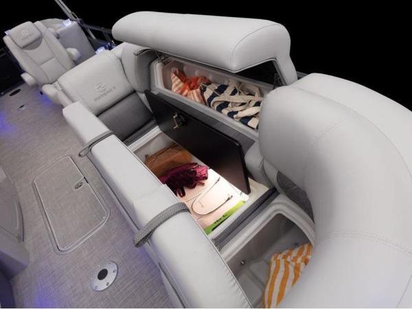 2022 Regency boat for sale, model of the boat is 230 LE3 & Image # 20 of 55