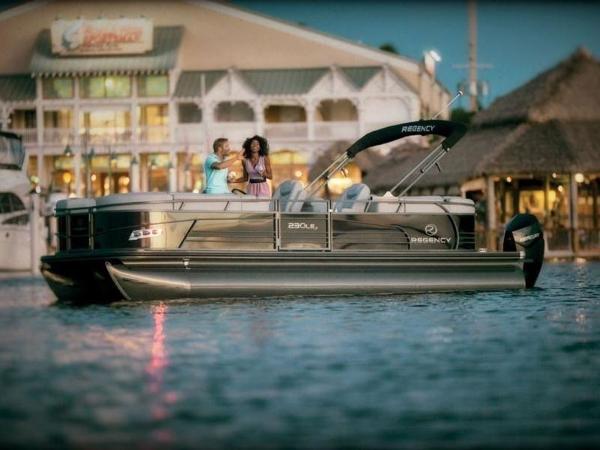 2022 Regency boat for sale, model of the boat is 230 LE3 & Image # 41 of 55