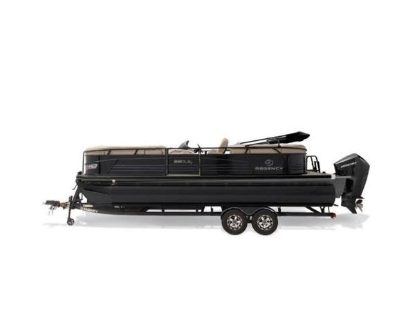 2022 Regency boat for sale, model of the boat is 230 LE3 & Image # 42 of 55