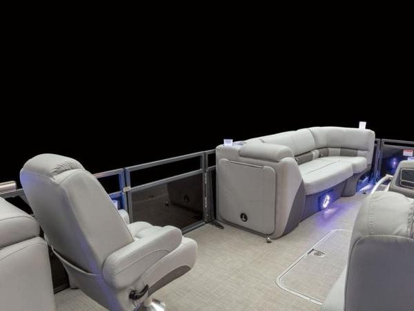 2022 Regency boat for sale, model of the boat is 230 LE3 & Image # 48 of 55