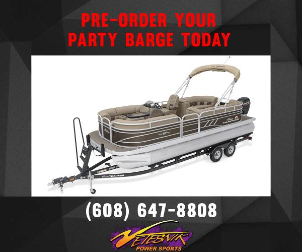2022 Sun Tracker boat for sale, model of the boat is Party Barge 22 DLX & Image # 1 of 4