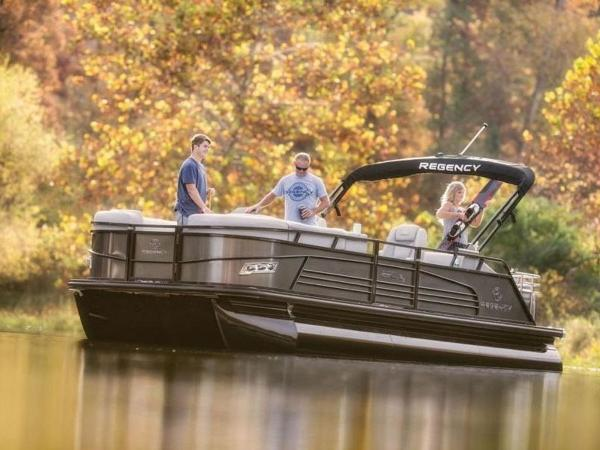 2022 Regency boat for sale, model of the boat is 230 LE3 Sport & Image # 5 of 65