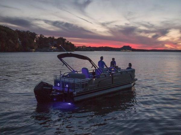 2022 Regency boat for sale, model of the boat is 230 LE3 Sport & Image # 10 of 65