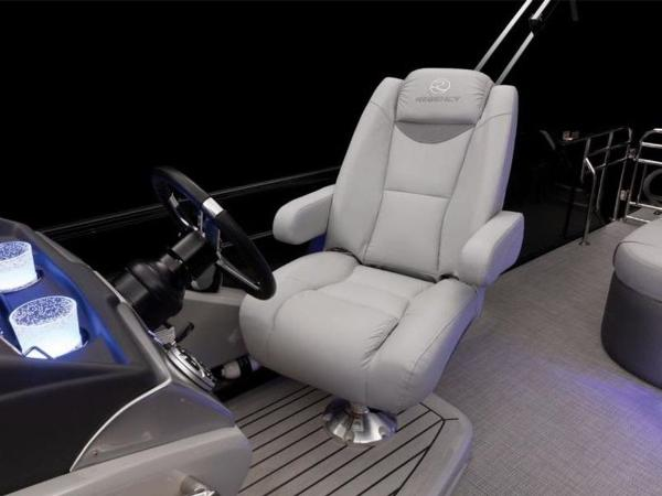 2021 Regency boat for sale, model of the boat is 230 LE3 Sport & Image # 49 of 65