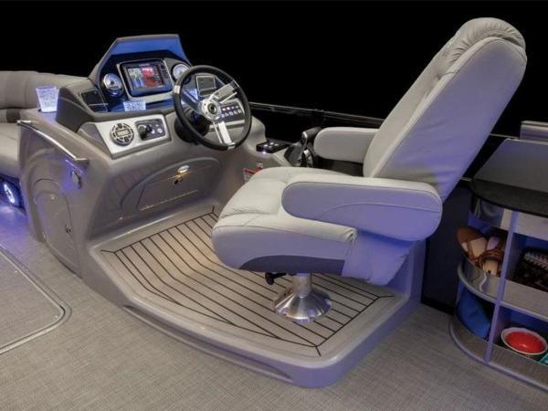 2022 Regency boat for sale, model of the boat is 230 LE3 Sport & Image # 62 of 65