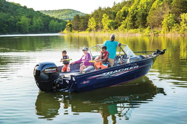 2020 Tracker Boats boat for sale, model of the boat is Pro Guide V-175 Combo & Image # 7 of 59