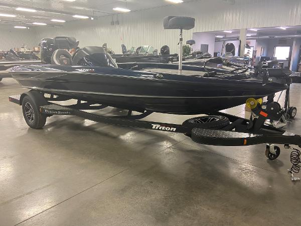 2021 Triton boat for sale, model of the boat is 179 TRX & Image # 3 of 32