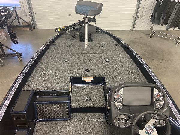 2021 Triton boat for sale, model of the boat is 179 TRX & Image # 8 of 32