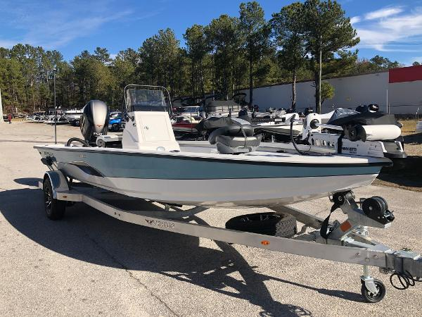 2020 Vexus boat for sale, model of the boat is AVX1980CC & Image # 5 of 32