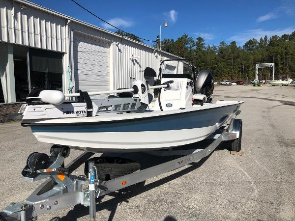 2020 Vexus boat for sale, model of the boat is AVX1980CC & Image # 1 of 32
