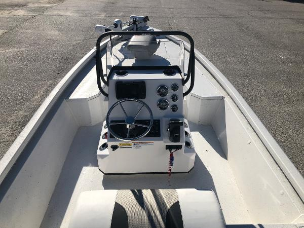2020 Vexus boat for sale, model of the boat is AVX1980CC & Image # 9 of 32