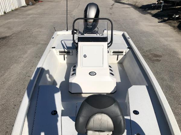 2020 Vexus boat for sale, model of the boat is AVX1980CC & Image # 10 of 32
