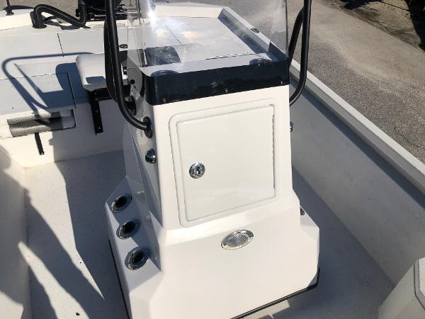 2020 Vexus boat for sale, model of the boat is AVX1980CC & Image # 23 of 32