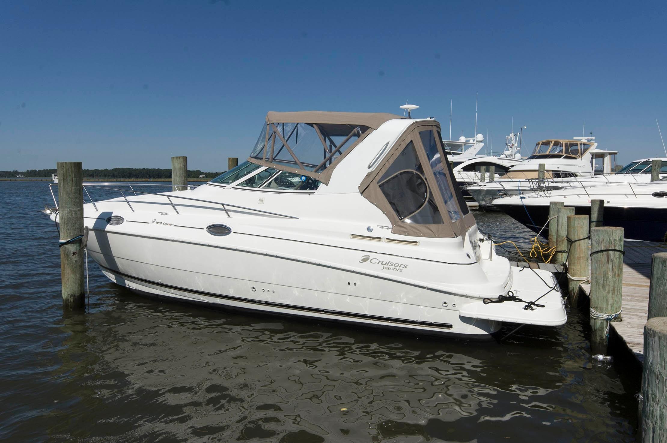 M 5453 WT Knot 10 Yacht Sales