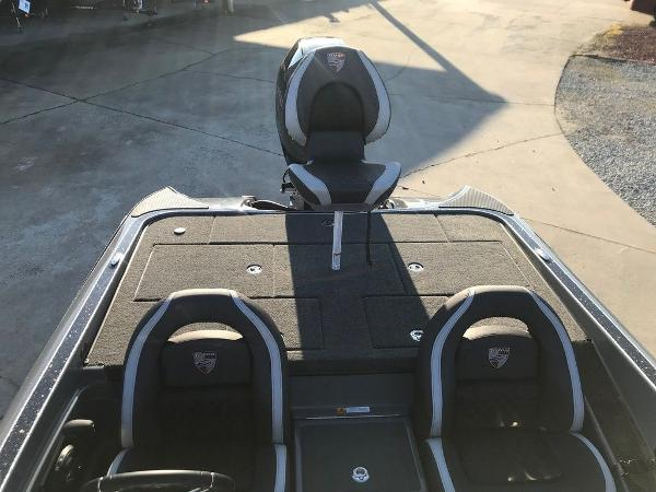 2021 Triton boat for sale, model of the boat is 19 TRX Patriot & Image # 7 of 15