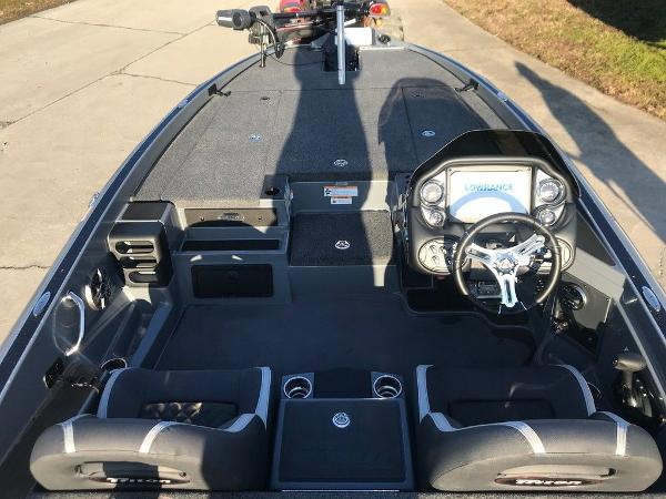 2021 Triton boat for sale, model of the boat is 19 TRX Patriot & Image # 14 of 15
