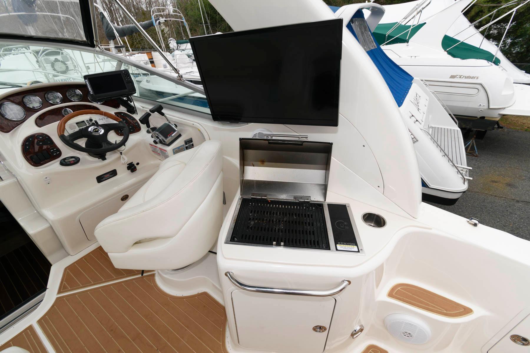 M 5963 JB Knot 10 Yacht Sales