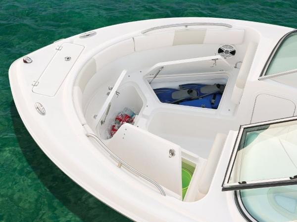 2022 Robalo boat for sale, model of the boat is R227 & Image # 10 of 20
