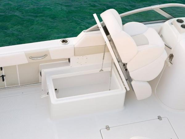 2022 Robalo boat for sale, model of the boat is R227 & Image # 12 of 20