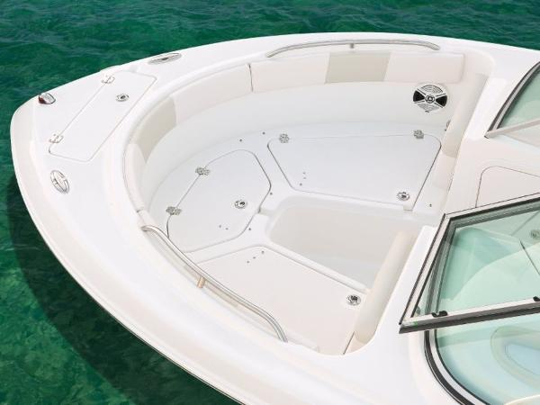 2022 Robalo boat for sale, model of the boat is R227 & Image # 15 of 20