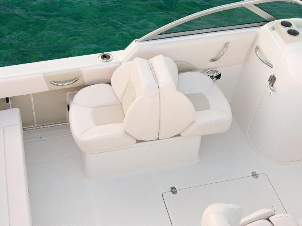 2022 Robalo boat for sale, model of the boat is R227 & Image # 17 of 20