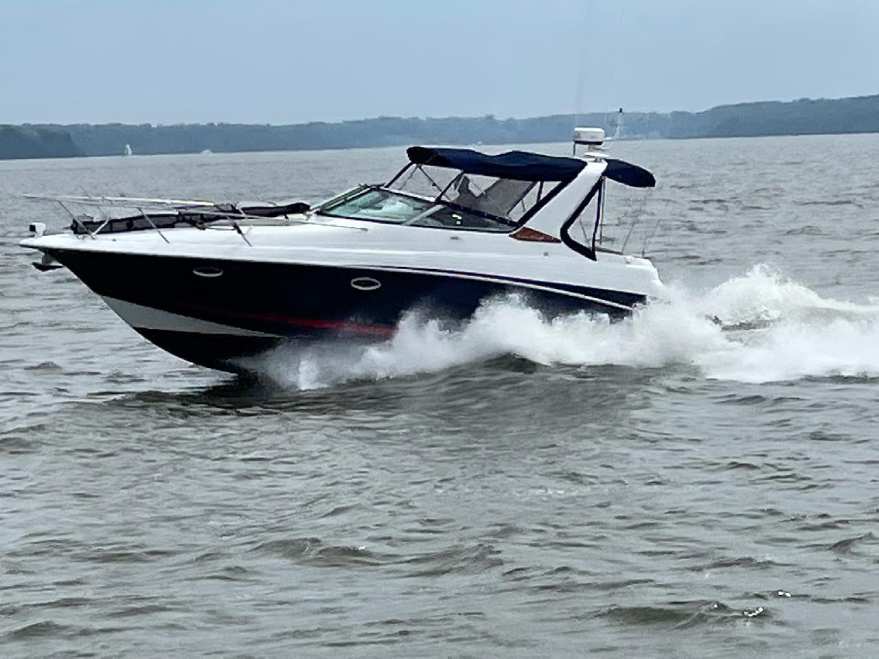 M 6459 EF Knot 10 Yacht Sales