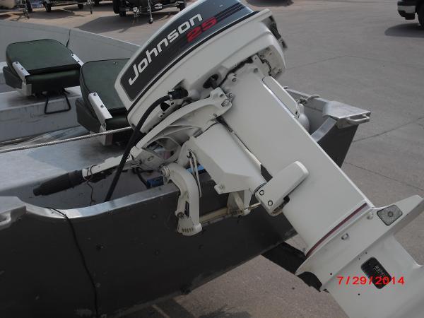 1993 Alumacraft boat for sale, model of the boat is V14 & Image # 7 of 15