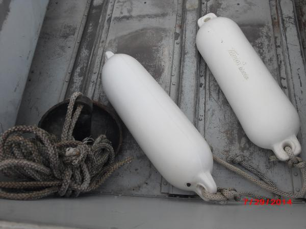 1993 Alumacraft boat for sale, model of the boat is V14 & Image # 11 of 15