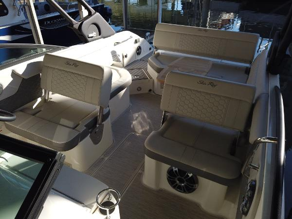 2021 Sea Ray boat for sale, model of the boat is SDX 250 & Image # 14 of 30