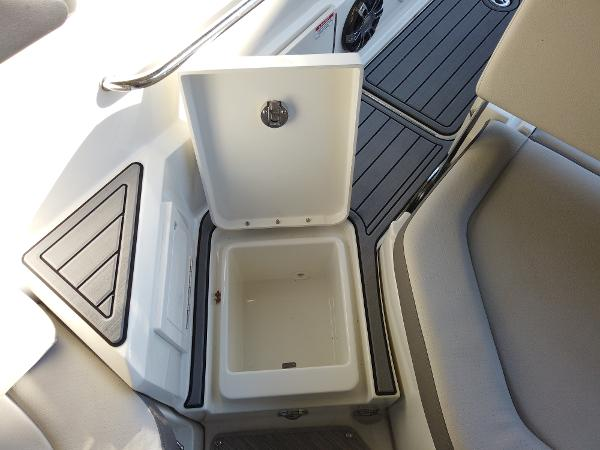 2021 Sea Ray boat for sale, model of the boat is SDX 250 & Image # 27 of 30