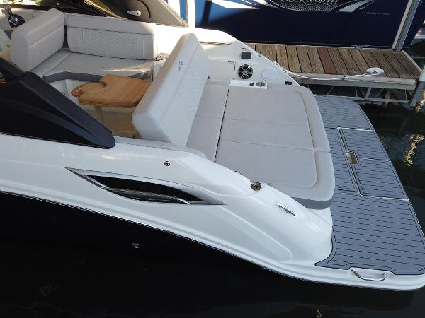 2021 Sea Ray boat for sale, model of the boat is SDX 250 & Image # 4 of 30
