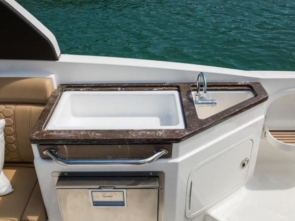 2022 Sea Ray boat for sale, model of the boat is SDX 290 & Image # 8 of 15
