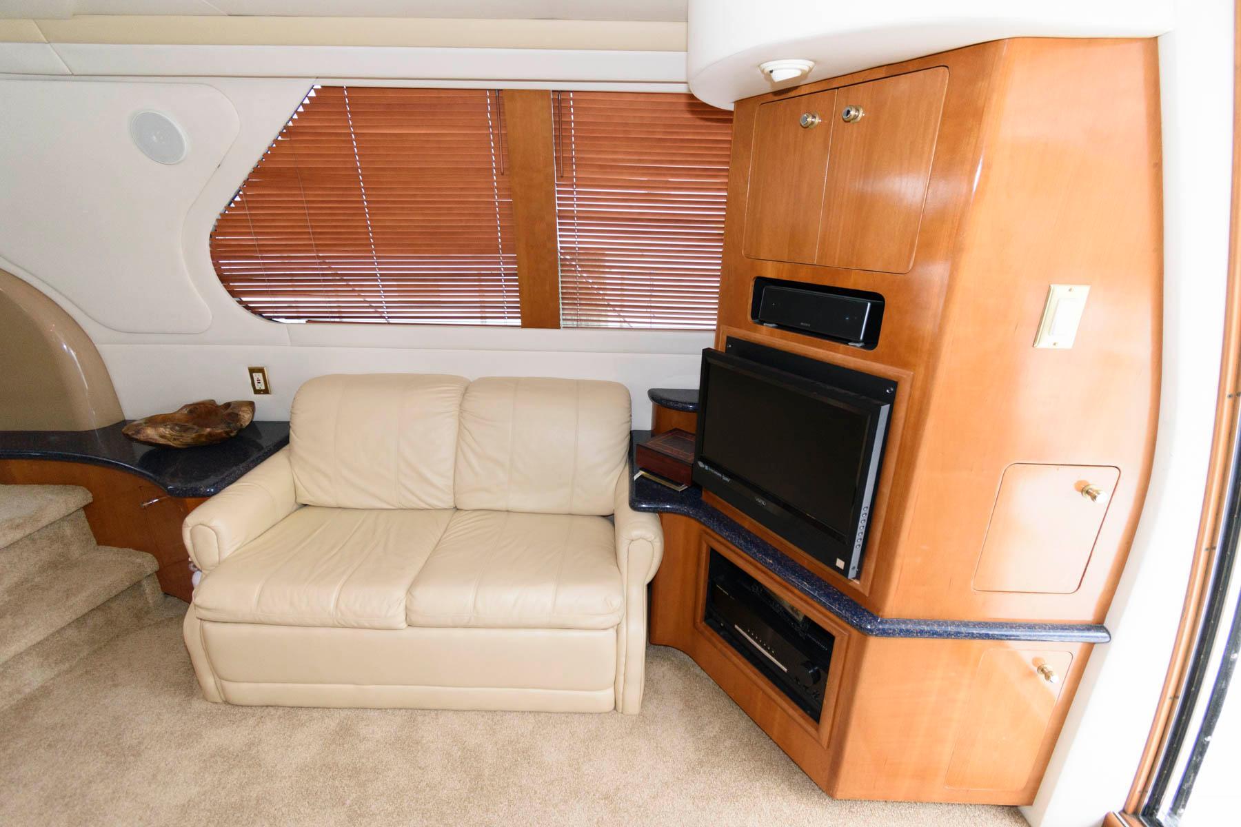 M 6281 TW Knot 10 Yacht Sales