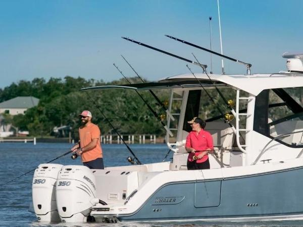2021 Boston Whaler boat for sale, model of the boat is 325 Conquest & Image # 3 of 11