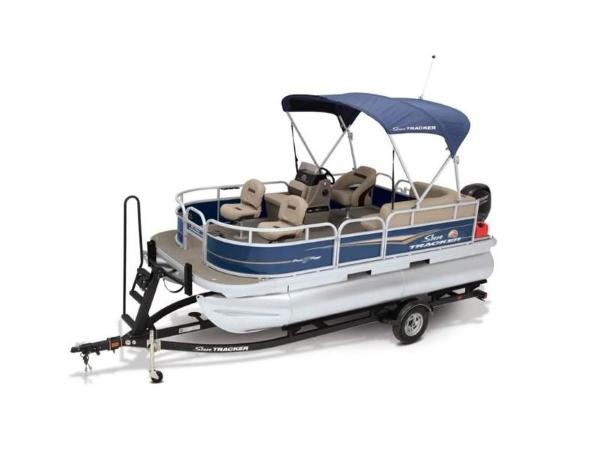 2022 Sun Tracker boat for sale, model of the boat is Bass Buggy® 16 XL Select & Image # 6 of 43