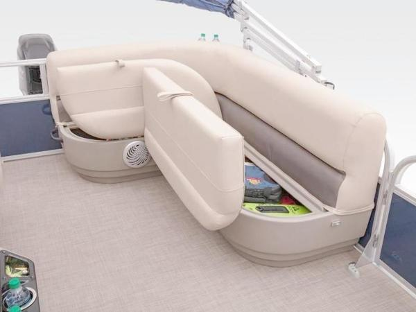 2022 Sun Tracker boat for sale, model of the boat is Bass Buggy® 16 XL Select & Image # 17 of 43