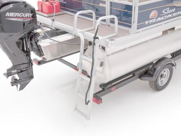 2022 Sun Tracker boat for sale, model of the boat is Bass Buggy® 16 XL Select & Image # 18 of 43