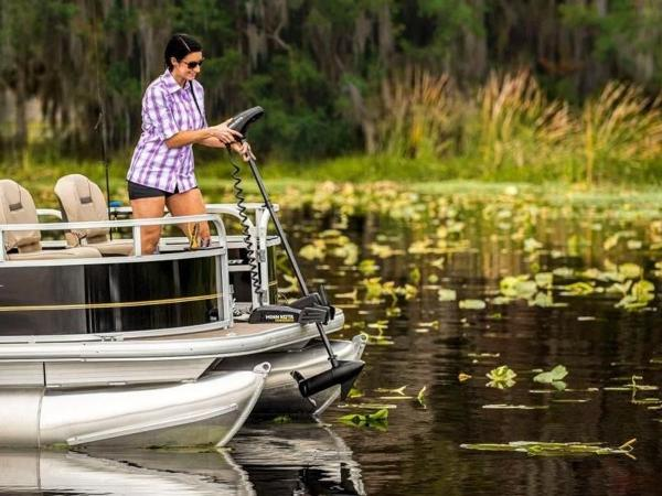 2022 Sun Tracker boat for sale, model of the boat is Bass Buggy® 16 XL Select & Image # 22 of 43